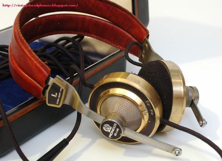 vintage akg headphones. sweet vintage headphones akg