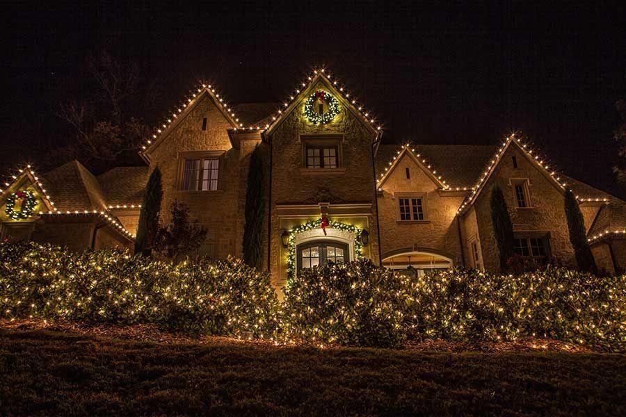 Outdoor-Christmas-Lighting-Decor-Dallas---The-Perfect-Light