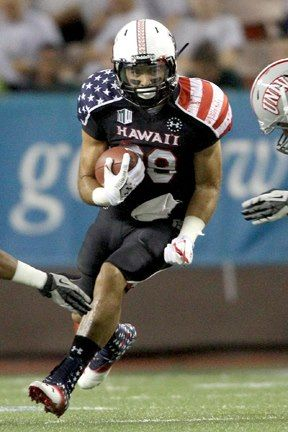 Hawai I Wears Their Special Under Armour Wounded Warrior Project Uniforms On Military Night Vs Unlv Warriors Football Football Uniforms University Of Hawaii