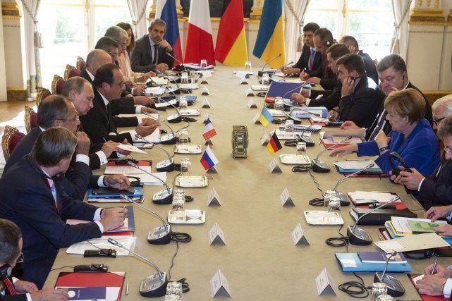 Hollande, Poutine, Merkel et Porochenko réunis à Paris pour la paix en Ukraine