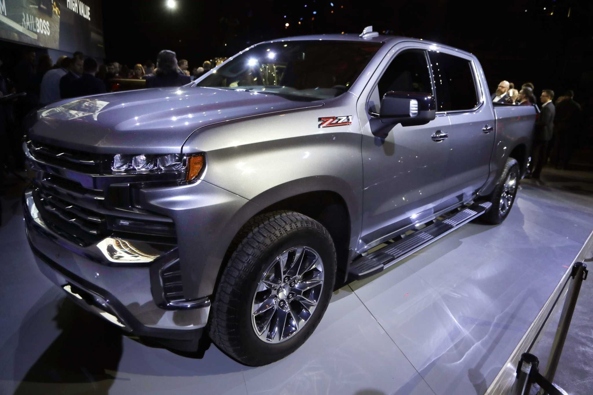 Autonomous cars loom, but the Detroit auto show goes on The 2019 Chevrolet Silverado High ...