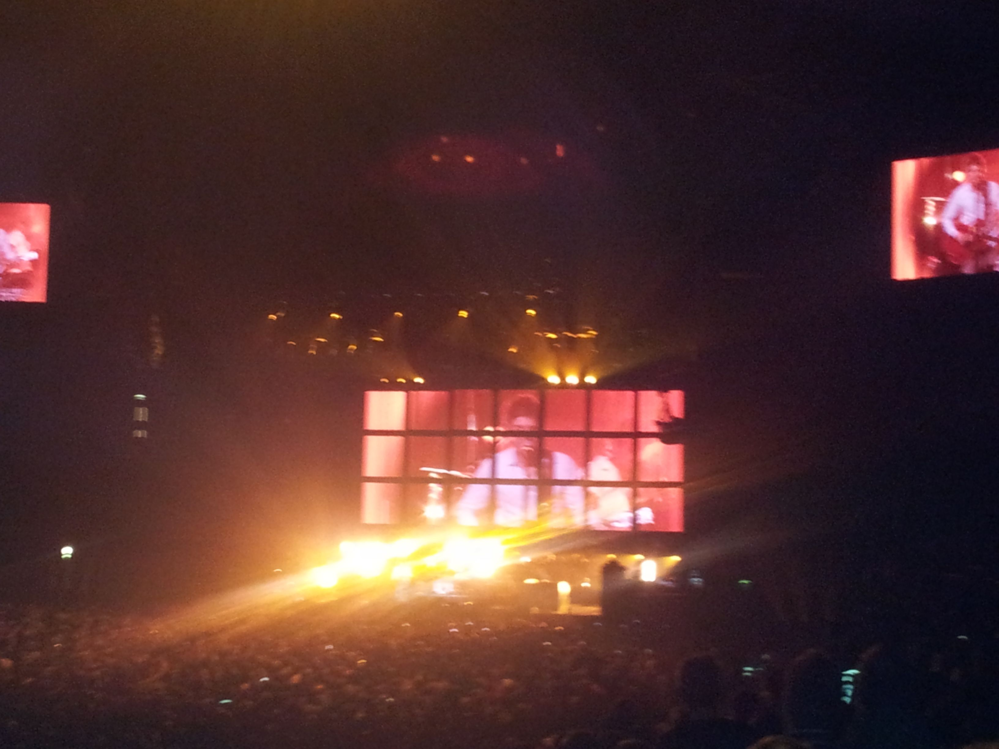 Noel Gallagher at the O2, really disappointed with the crowd that night...