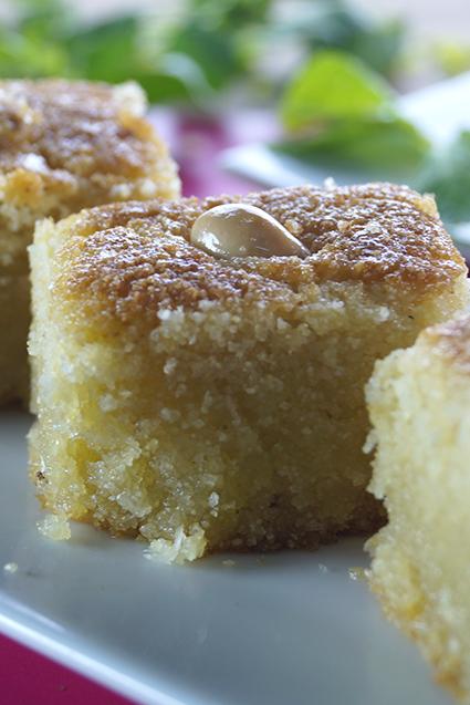 هريسة حلوة بالياغورت Recipe Desserts Food Breakfast