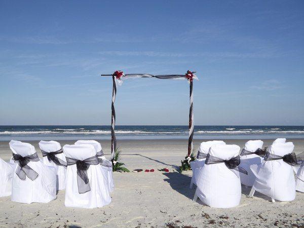 Black & White Beach Wedding | We can create any setup you\'d like ...