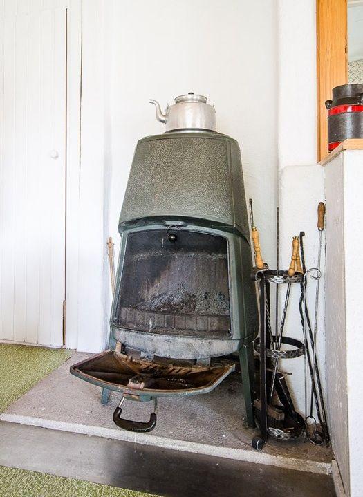 Classic green Jøtul wood stove open. - Classic Green Jøtul Wood Stove Open. Classic And Modern