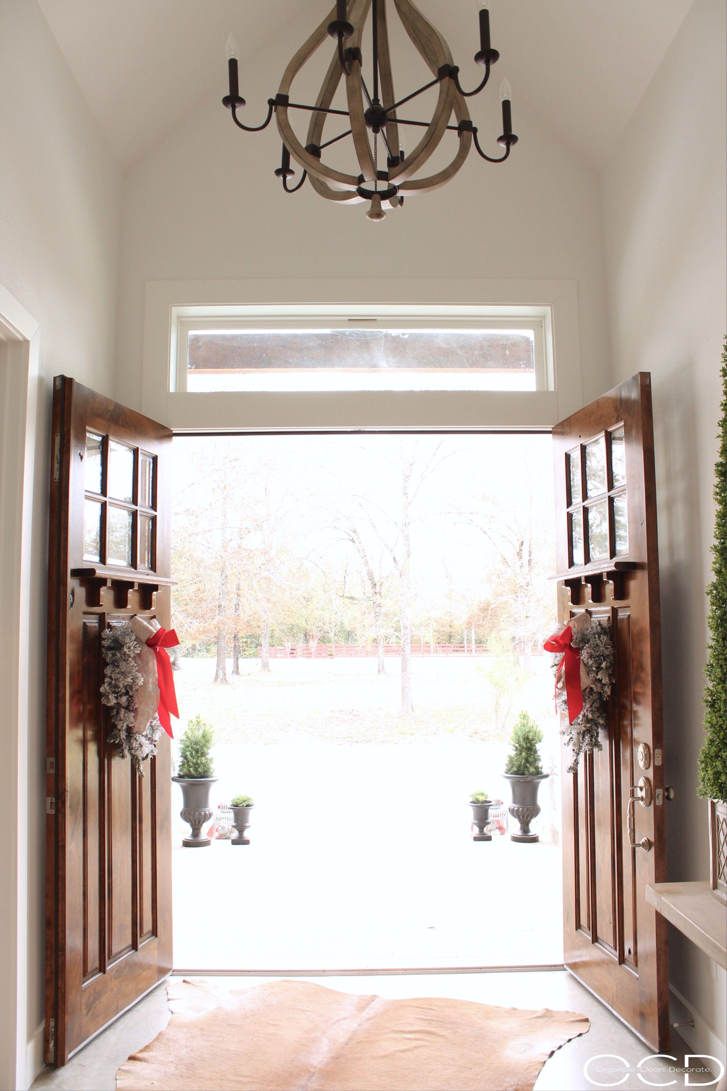 Christmas Entry Decor | Christmas | Pinterest | Modern farmhouse ...