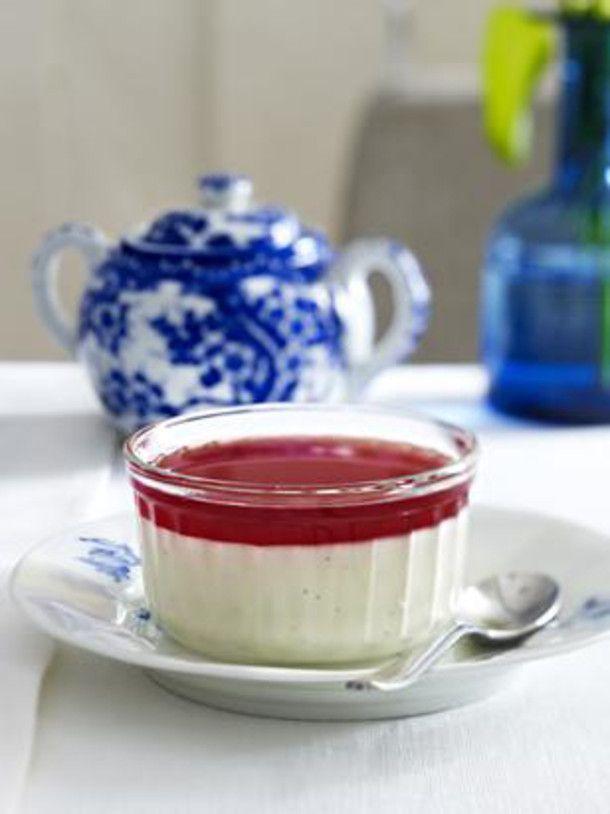 Unser beliebtes Rezept für Vanille-Panna-Cotta mit Granatapfelsoße und mehr als 55.000 weitere kostenlose Rezepte auf LECKER.de.