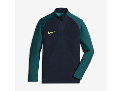 b40e04fbe8dce Nike Strike Aeroswift Big Kids' Long Sleeve Soccer Drill Top (XS-XL ...