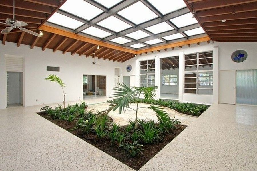 Atrium House 1950s modern atrium house in coral gables for $585,000 | atrium