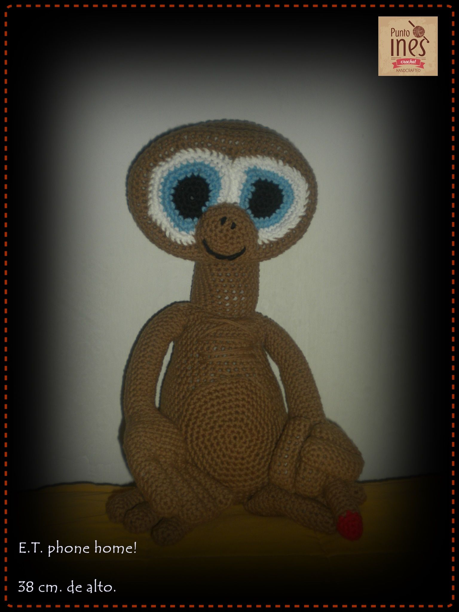 E.T.   Face Punto Ines - crochet