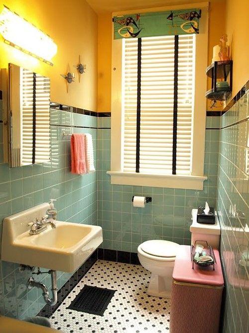 Floor Looks A Little Busy Black Tile Bathrooms Retro Bathrooms Small Bathroom Remodel