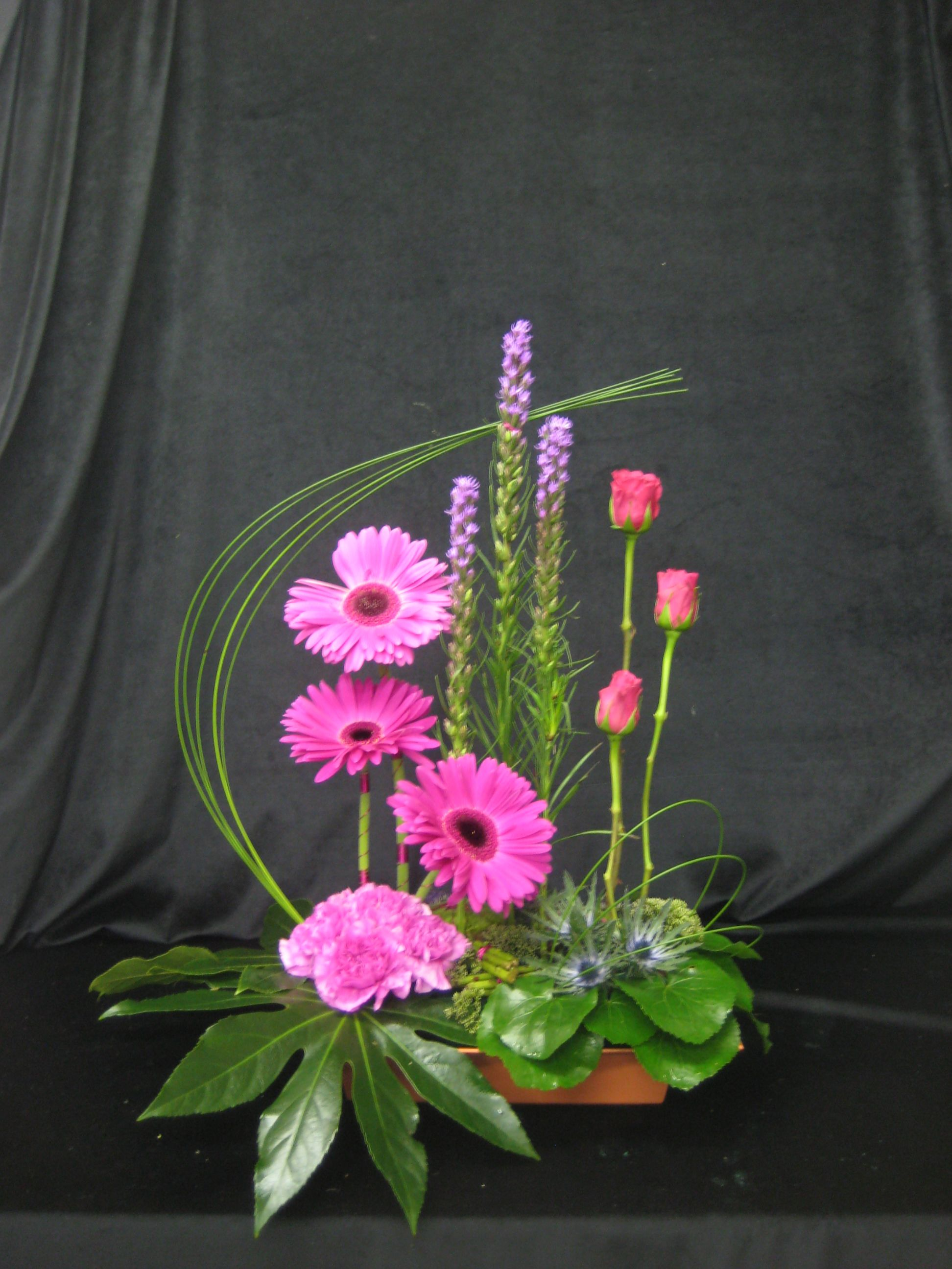 Designer floral arrangements contemporary vertical Floral creations