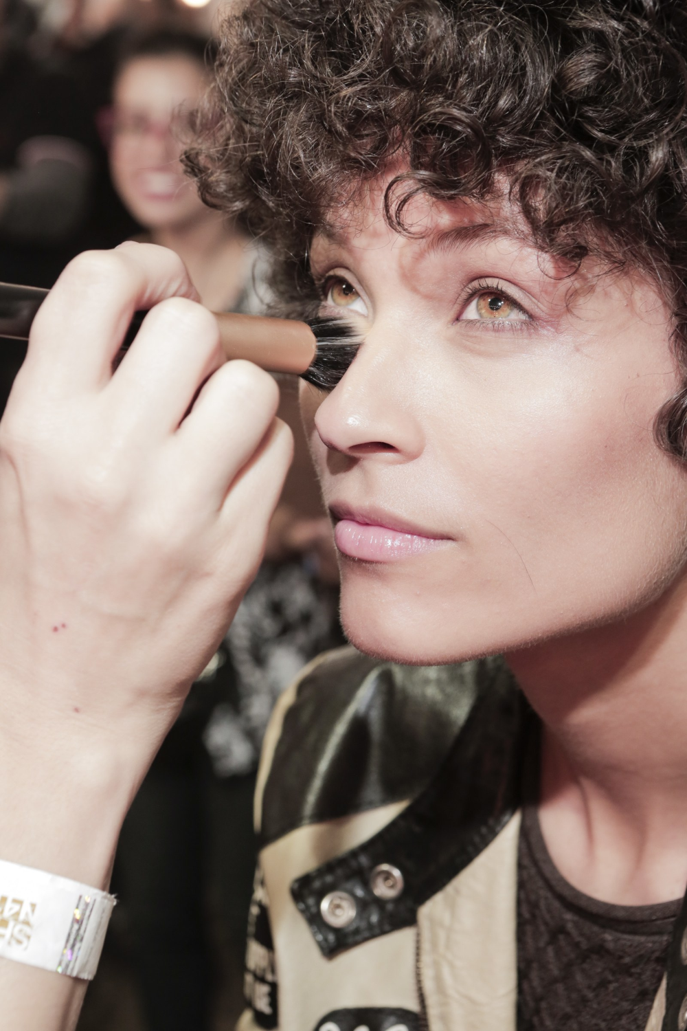 How to Prevent Under Eye Concealer From Creasing and ...