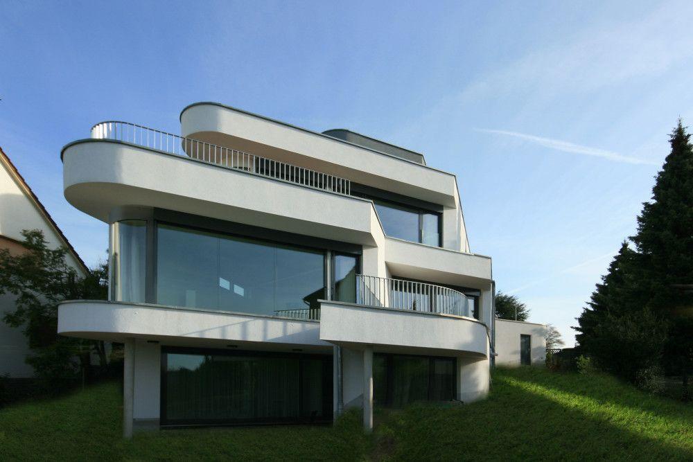 Runde h user bauen in moderner architektur h user for Haus bauen moderne architektur