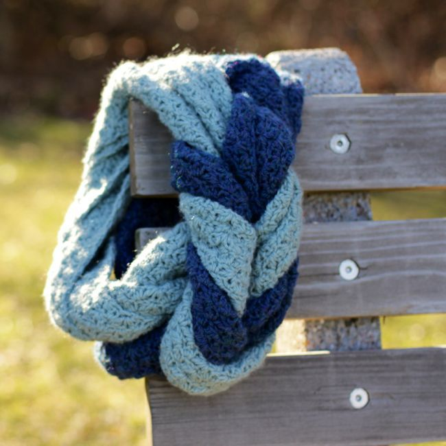 Endless Entwine Scarf - Crochet Pattern by Micah Makes