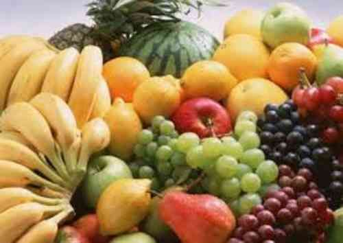 Some easily available best fruits in market for fast weight loss.