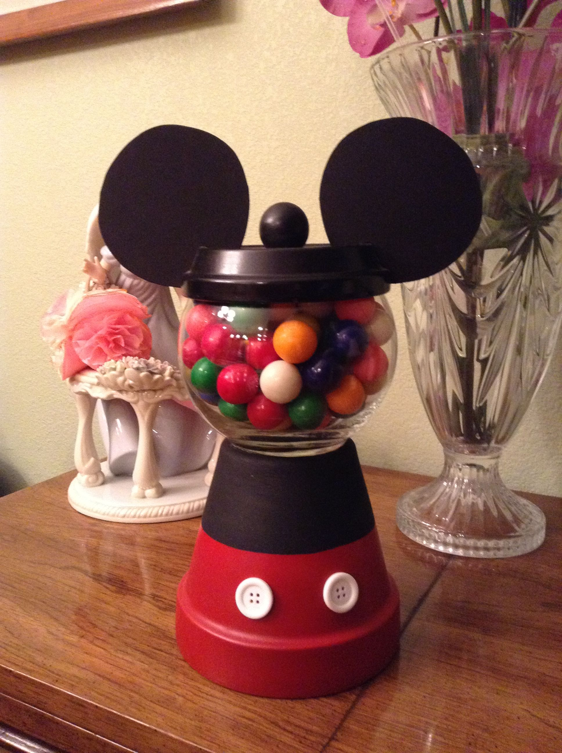MICKEY GUMBALL CENTERPIECE DECOR | Terra cotta pot crafts ...