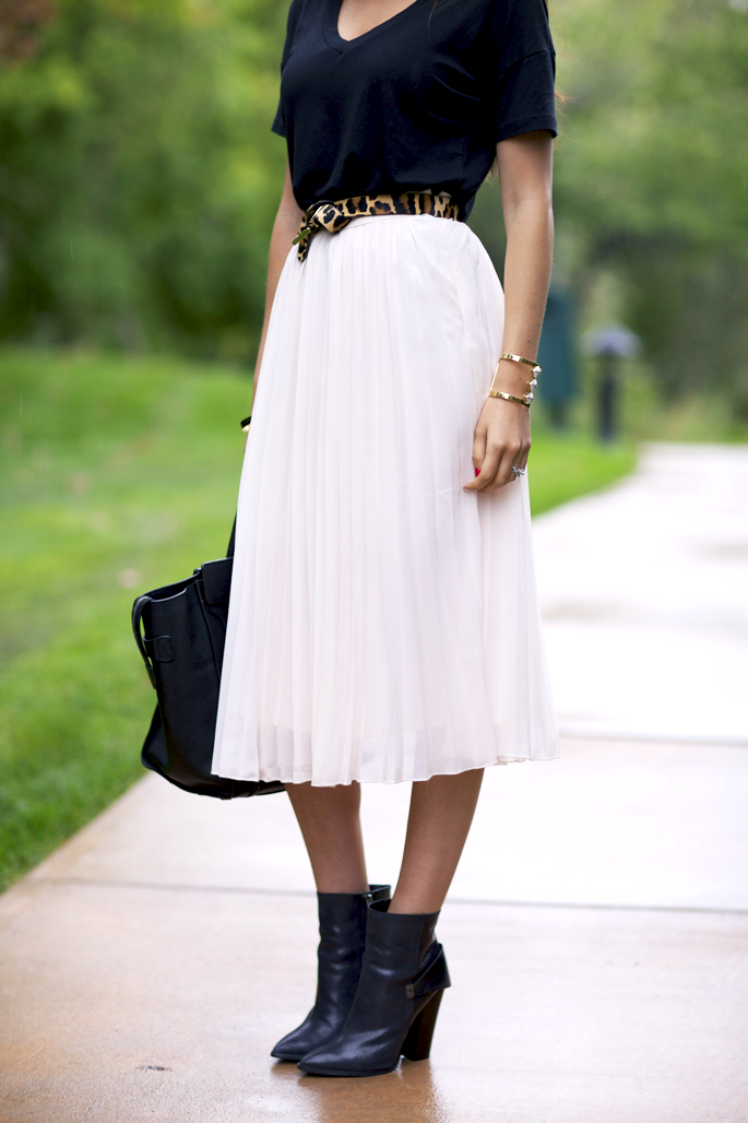 17 Best images about Pleated skirts on Pinterest | Full midi skirt ...