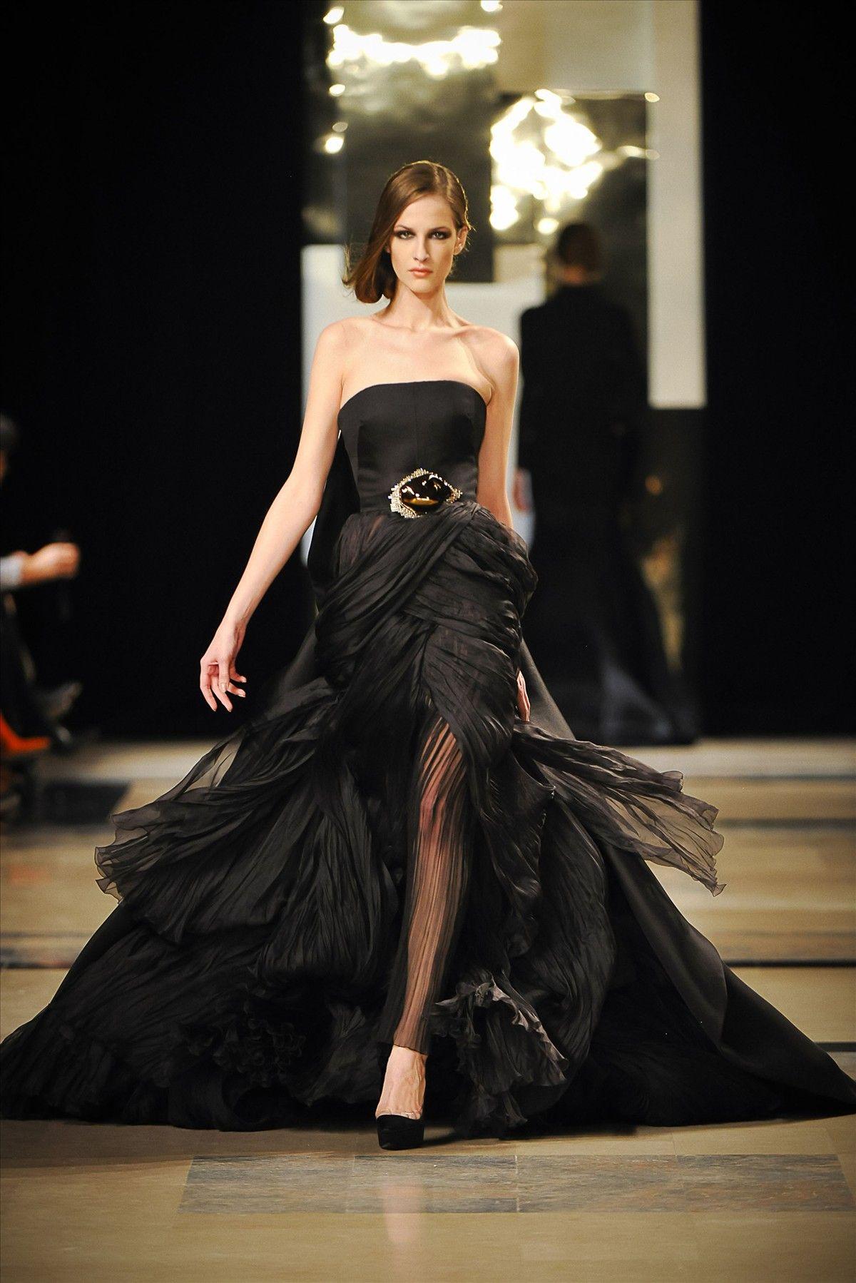 Stunning dress, Yulita (Stéphane Rolland PE 2011 Haute Couture S/S Paris**)