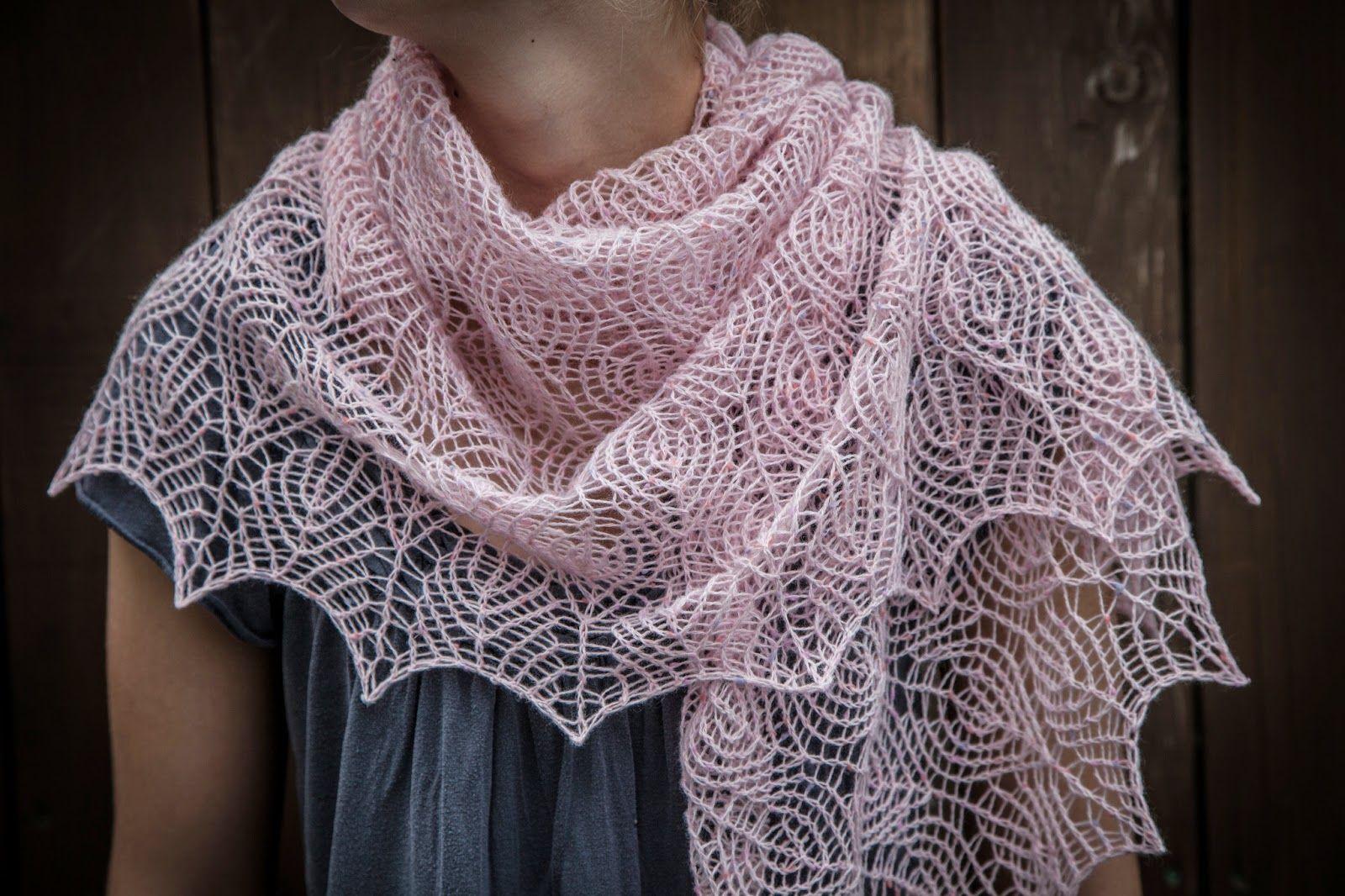 Renee Knits Too: Shetland Lace Triangle Shawl | Шалемагія, шалеманія ...