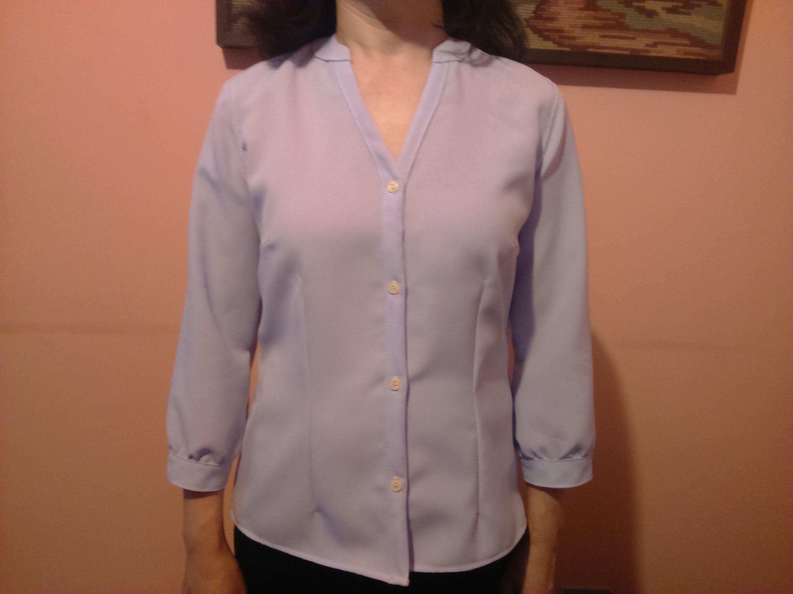 #costureicomceliaavila Camisa com gola anatômica.