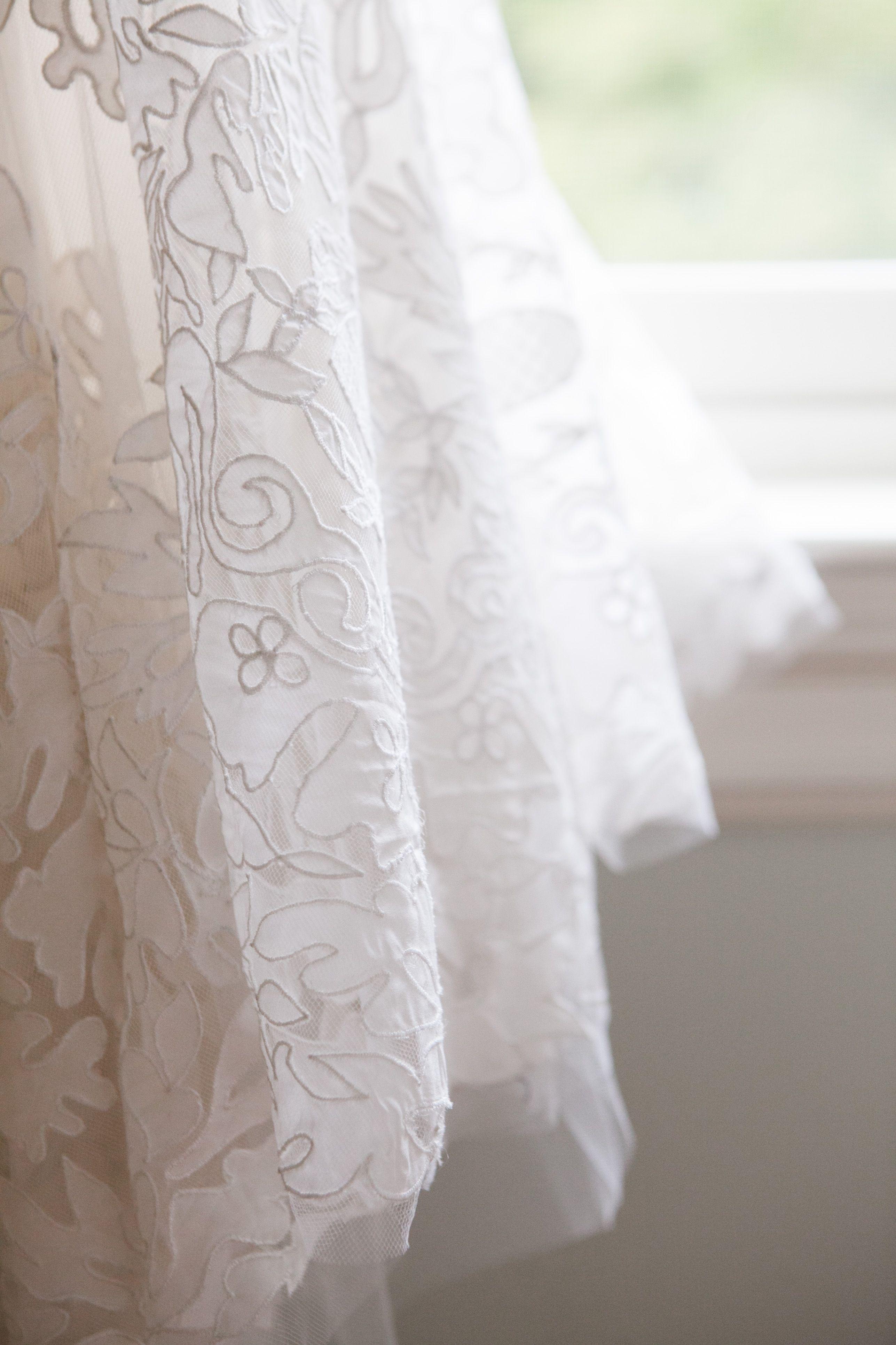 Wedding dress details// Oscar de la Renta