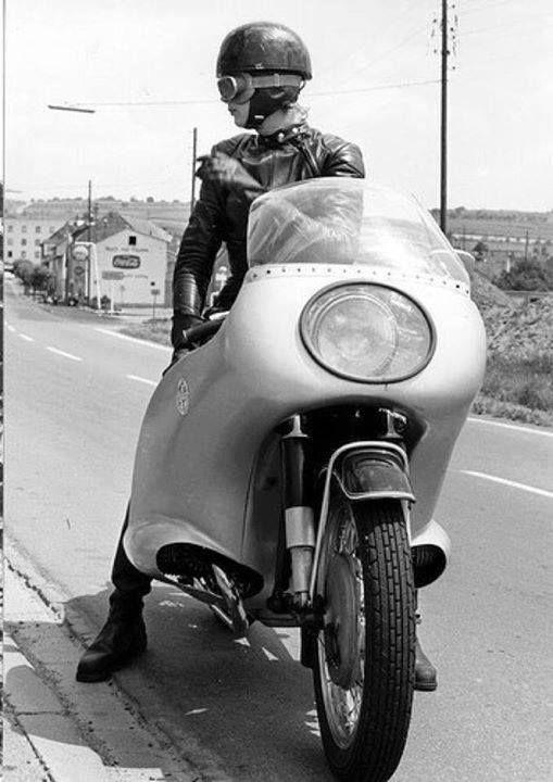 Classic biker girl   #motorcyclegirls   #bikes-n-girls   @housemanc