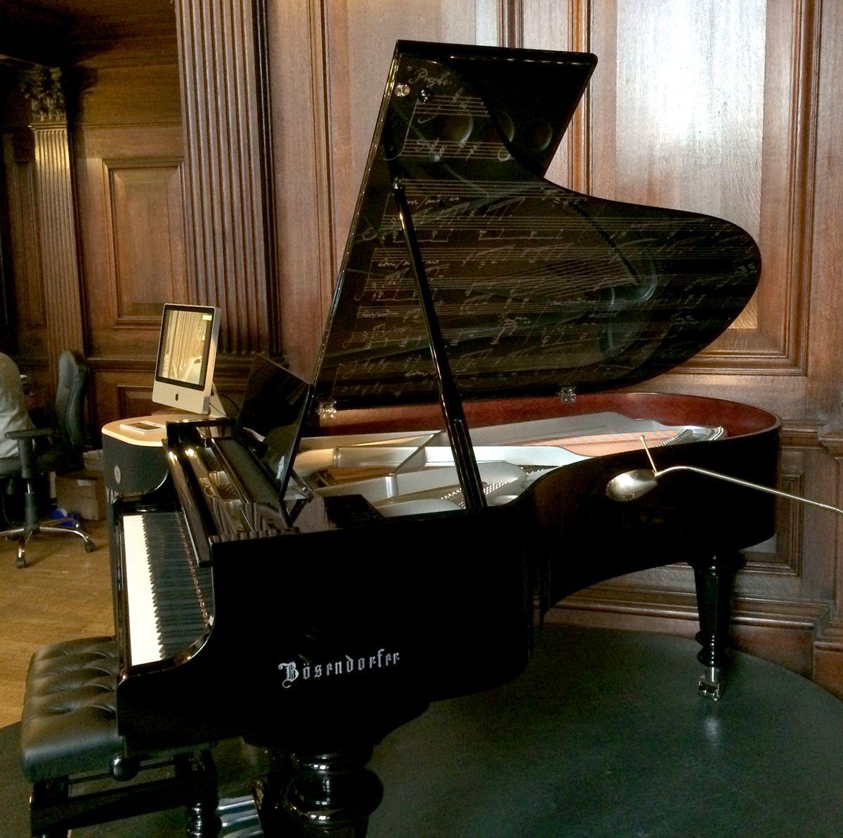 Beethoven' Model 200 Grand Piano In Unique Polished Ebony & Chrome