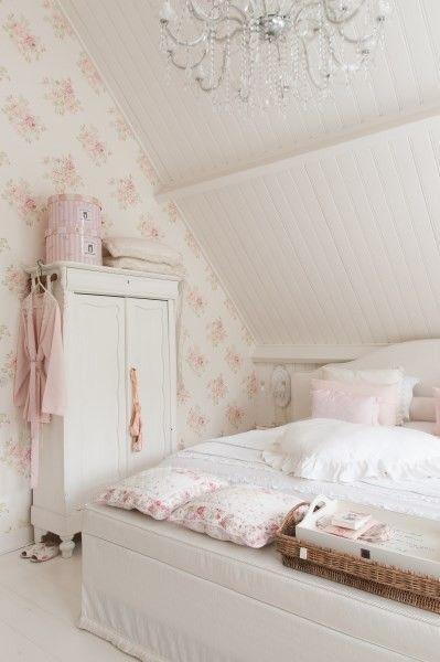 Pin van Seyma op Kamer | Pinterest - Slaapkamer, Brocante en Zolderkamer