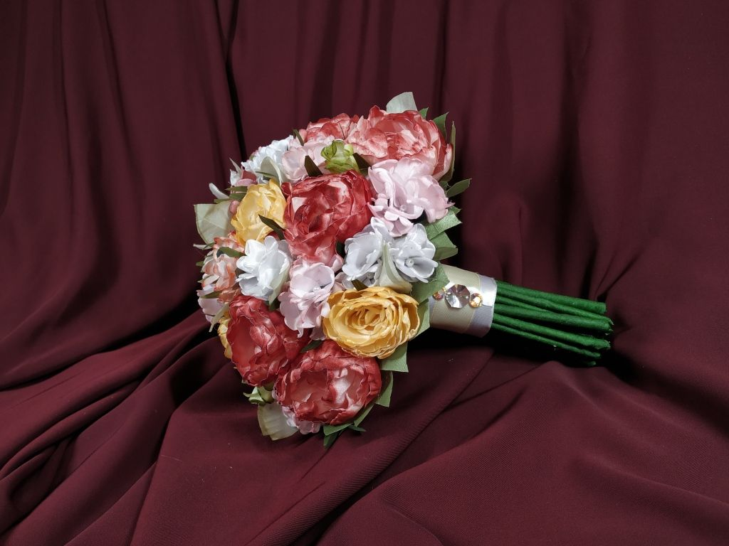 15 Fantastic Ideas Of Bridal Bouquets Made Of Artificial Flowers
