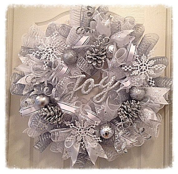 Winter Wonderland Pinecone Deco Mesh Wreath/Christmas Wreath