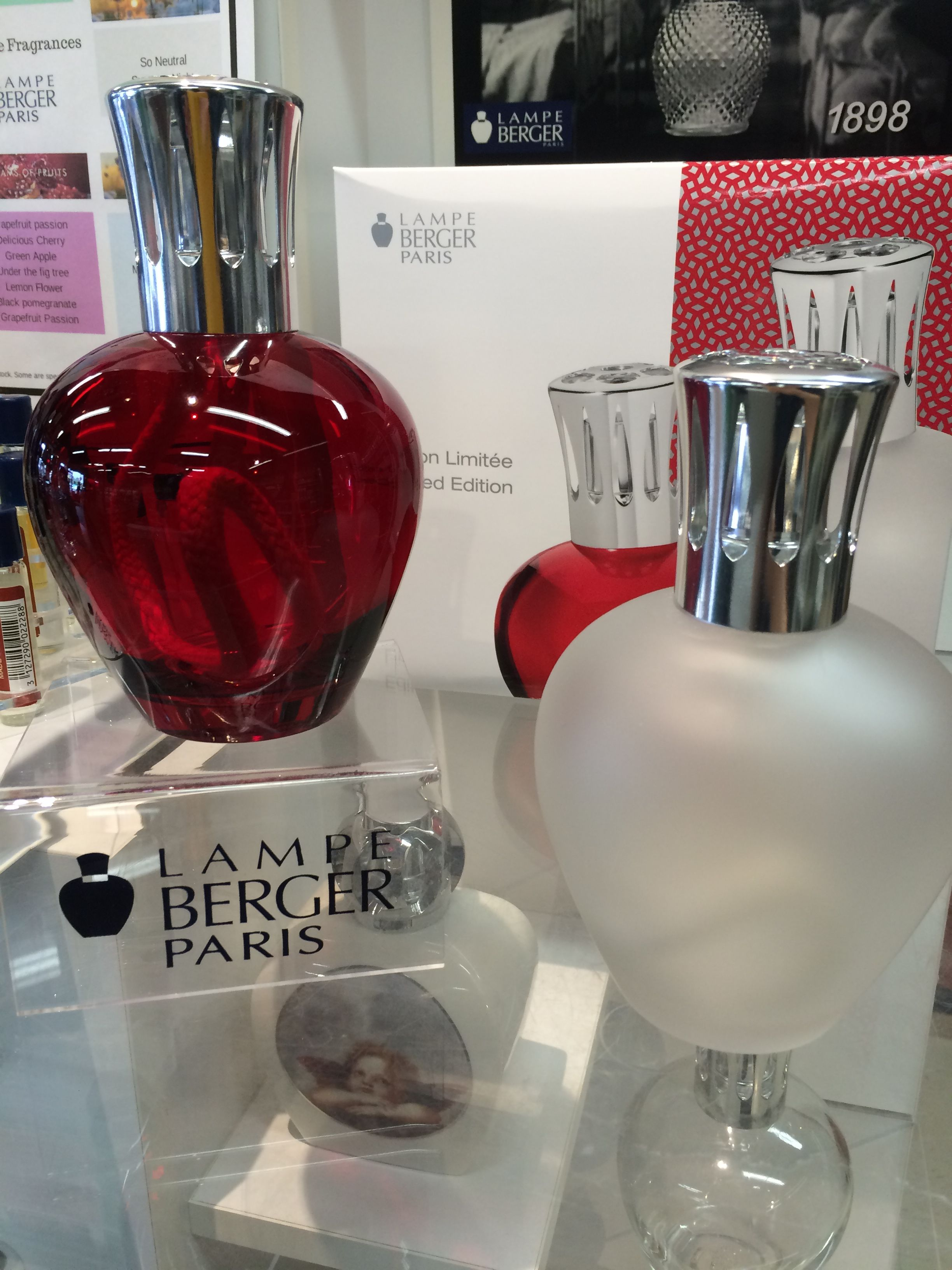 Red Apple Lampe Berger Kit And Frosted Apple Lampe Berger Kit Kit Includes 1 Lampe 1 Catalytic Burner And 1 Fragrance A Perfume Bottles Red Apple Fragrance
