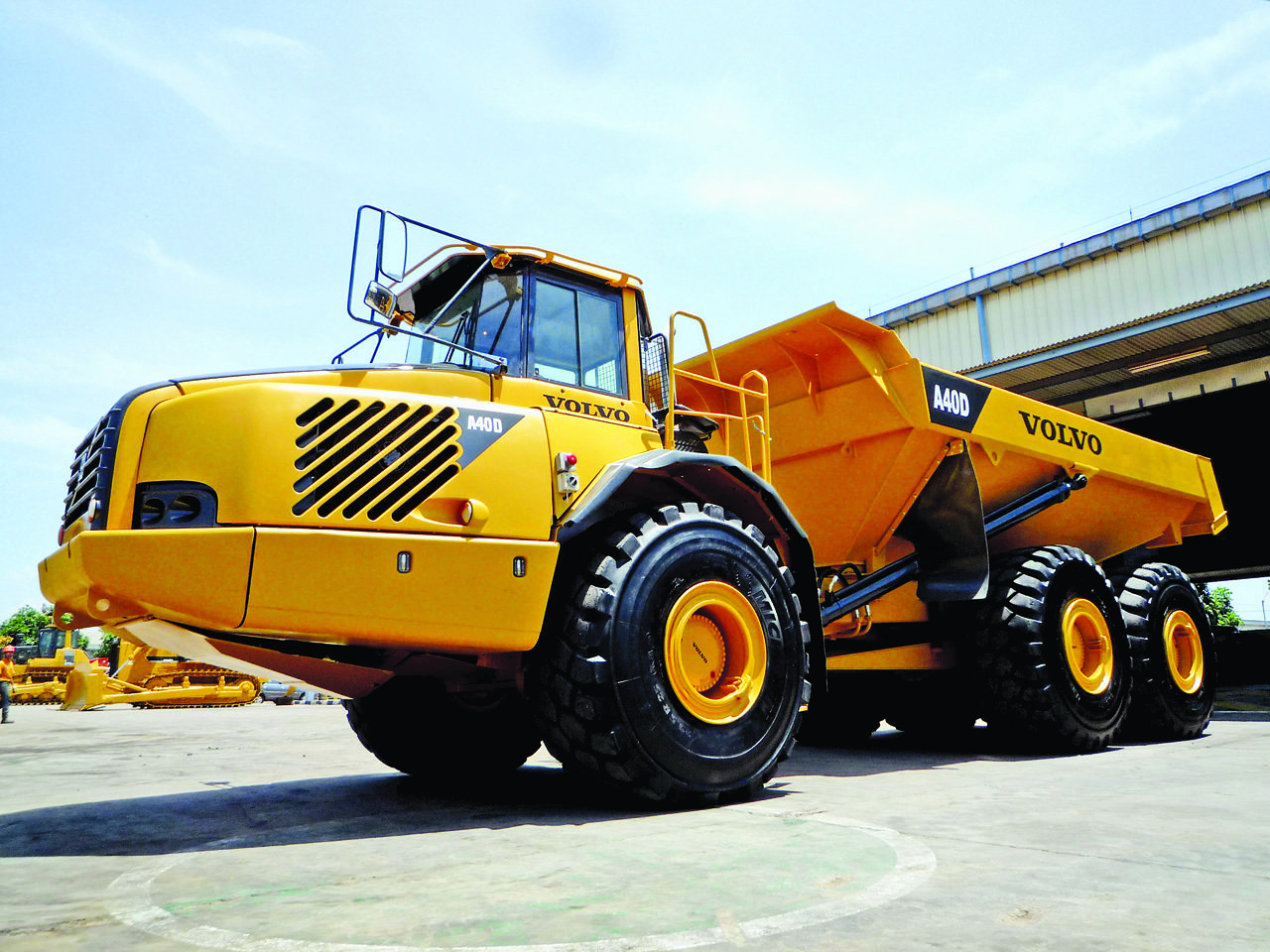 small resolution of volvo a40d articulated dump truck
