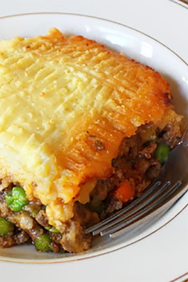 HOW TO MAKE AN IRISH SHEPHERD'S PIE. Lamb, potatoes and ...