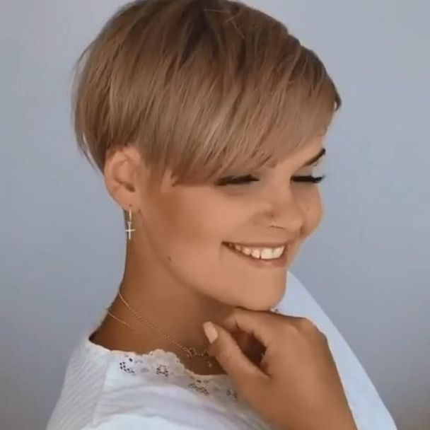 Best Short Pixie Hairstyle For Women Over 40