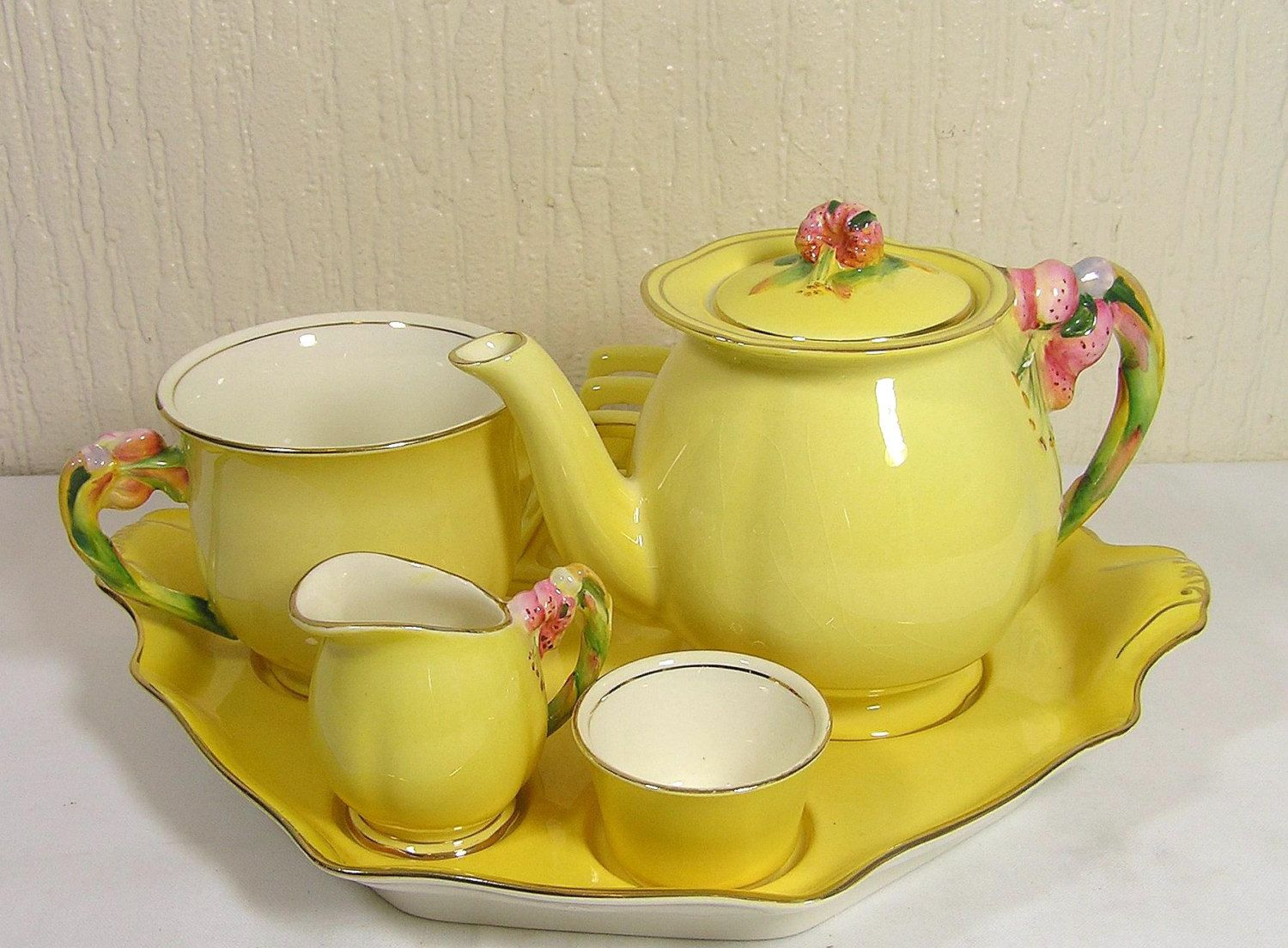 Royal Winton Tiger Lily Yellow Tea Pot