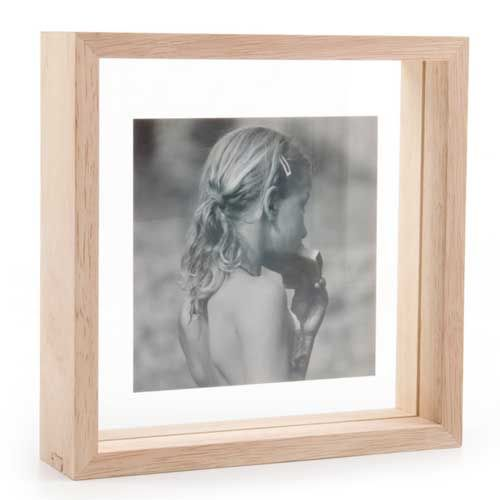 cadre photo carr en bois avec contour transparent sign xl boom 3 finitions sont propos es. Black Bedroom Furniture Sets. Home Design Ideas