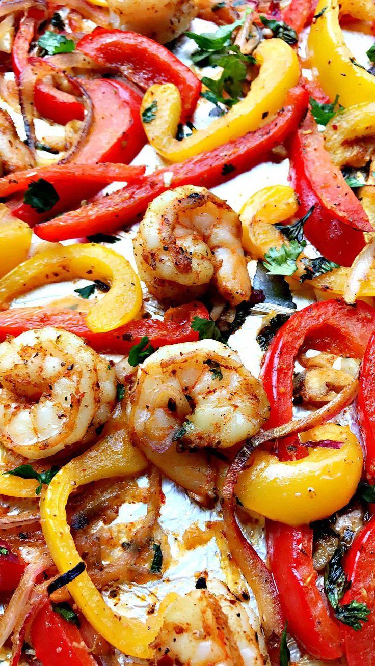 20-Minute Low-Carb One Sheet Pan Shrimp Fajitas