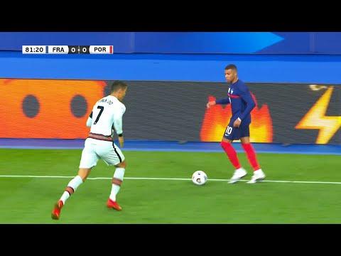 Pin By Israel David On Videos Virales Soccer Field Players Skills