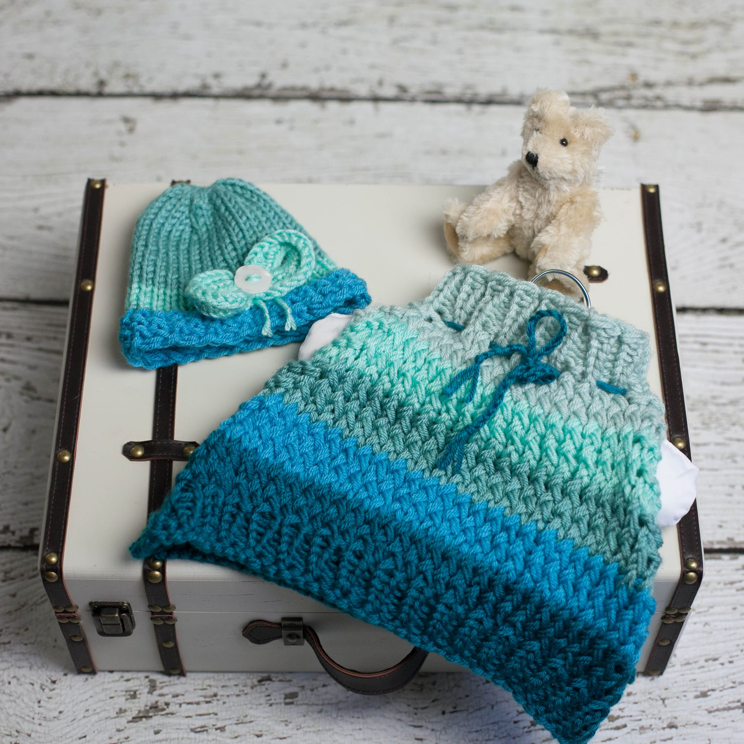 Loom Knit Poncho Hat Set Pattern for Newborn. Baby Cape, Hat With ...