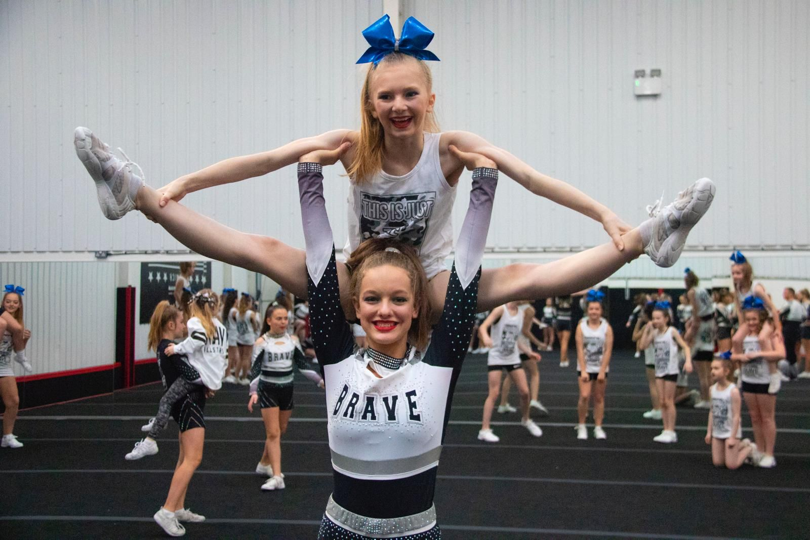 Brave Cheerleading Cheer picture poses, Cheer pictures
