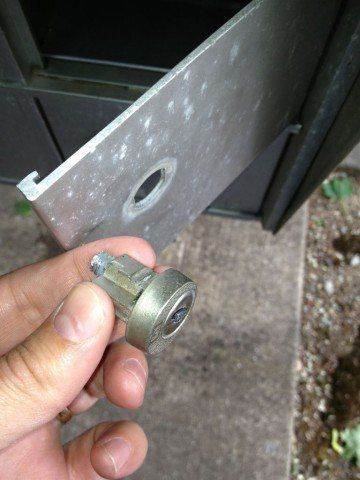 How To Replace A Mailbox Lock In Under Five Minutes Mailbox Lock
