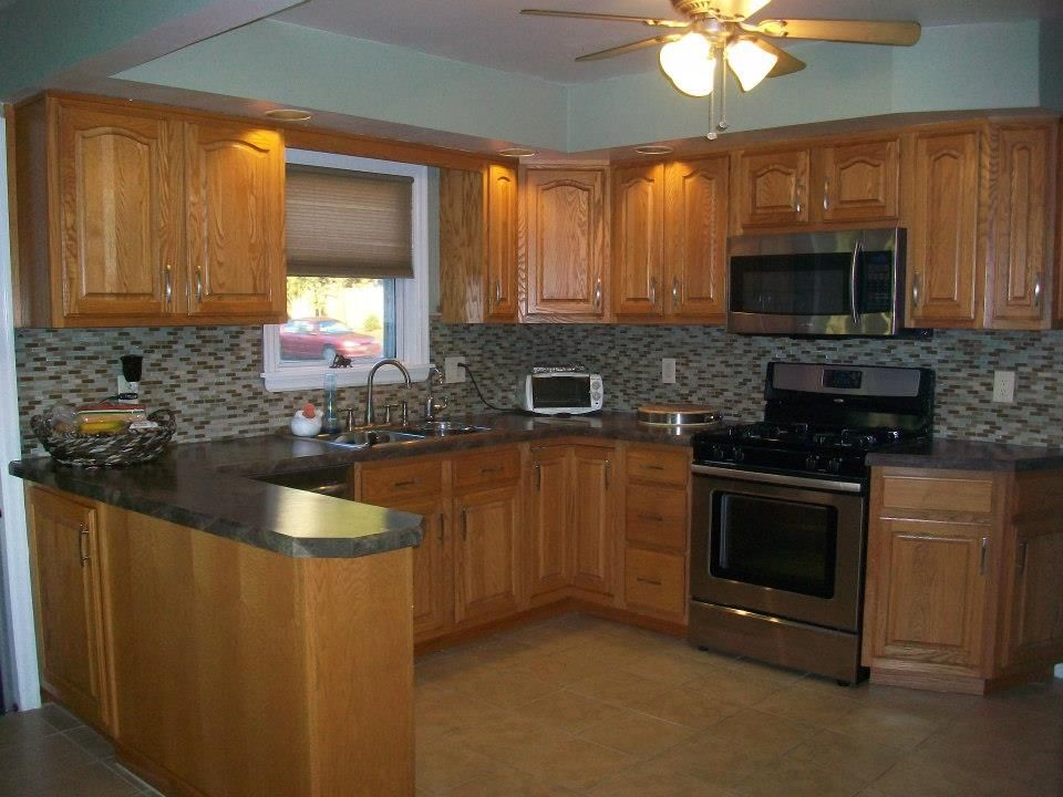 oak kitchen cabinets wall color count them reasons why you should buy oak kitchen 7131