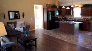Pine Creek LR & Kitchen