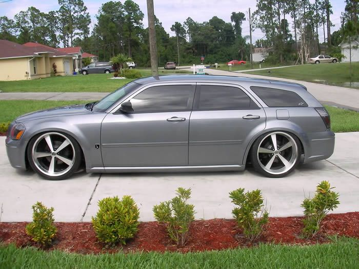 Dodge Magnum On 22 Rims Find The Classic Rims Of Your Dreams Www