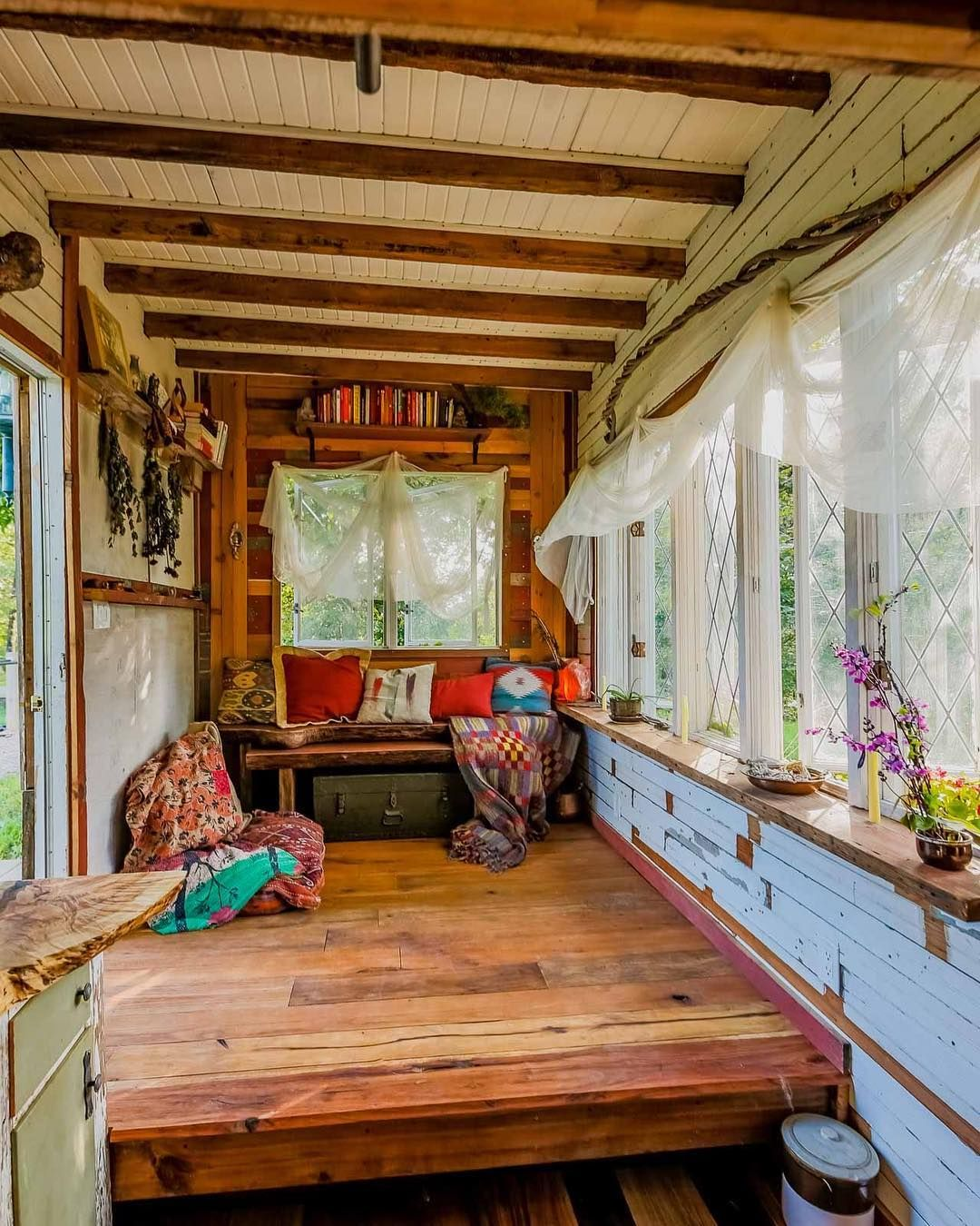 Living Big In A Tiny House Our Traveling Tiny Home In North America Tiny House Big Living Tiny House On Wheels Traveling Tiny House