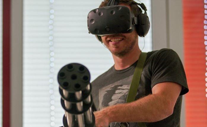 Con+questa+periferica+minigun+sarà+più+interessante+giocare+a+Serious+Sam+VR