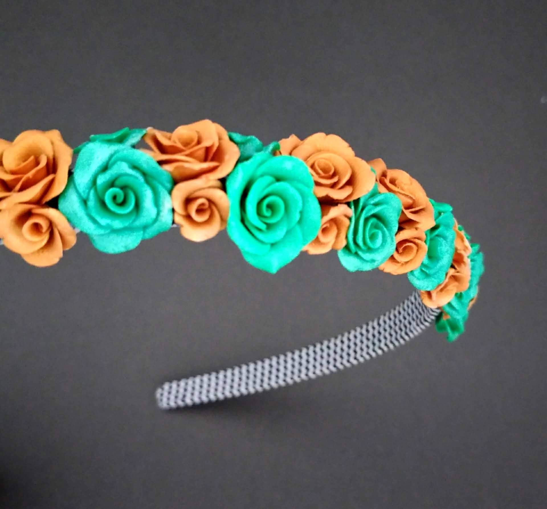 Peacock green gold tiny flower hair band kids hair accessories handmade polymer clay #kidshairaccessories