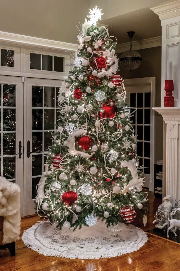 Custom Holiday Tree Design And Decoration Holiday Decor Decorating Services Christmas Decorations