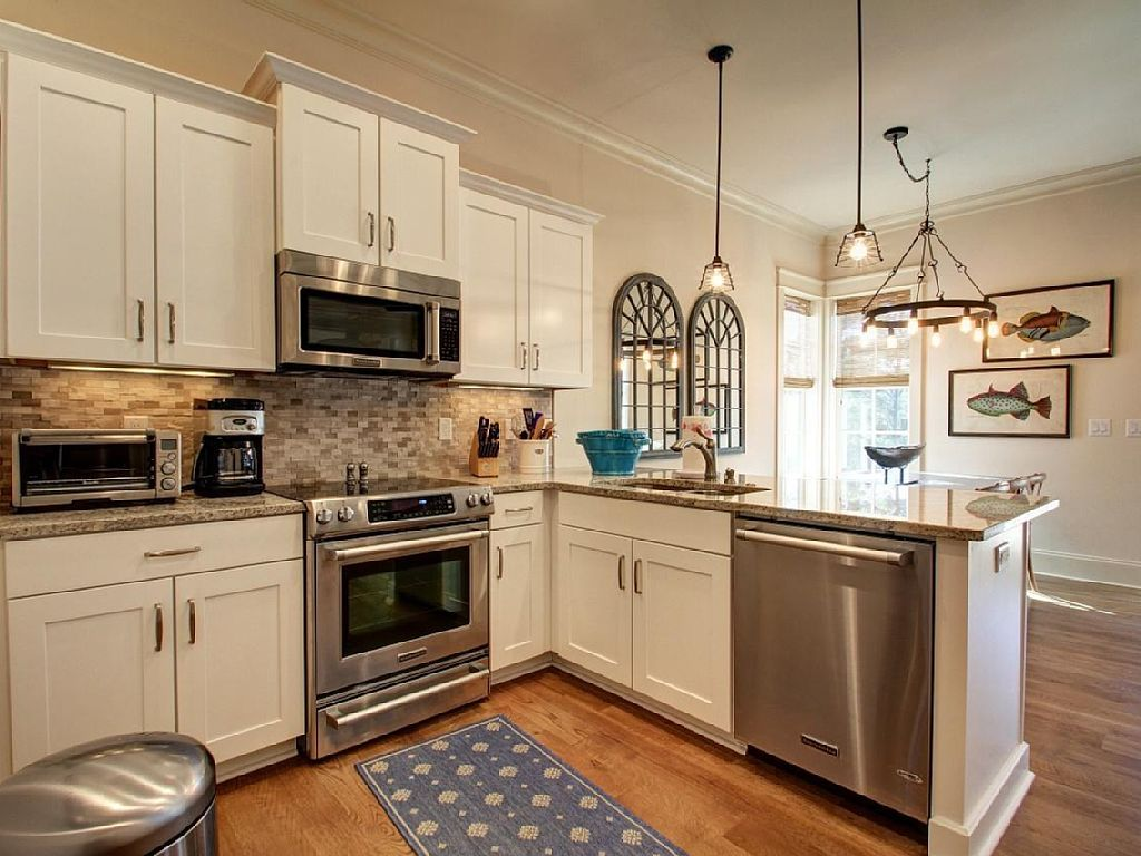 Private Homes Vacation Rental Vrbo 501425 4 Br Blue Mountain Beach House In Fl Swantree30a New Home Lakesi House Rental Kitchen Remodel Upper Cabinets